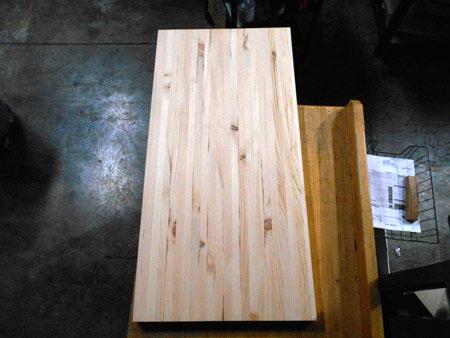 Charmant Knotty Pine Butcher Block Countertop